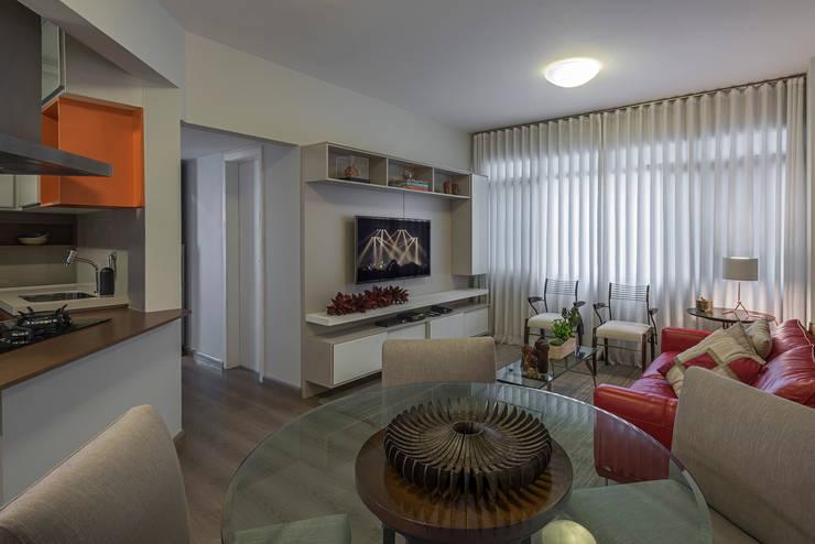 Living / Jantar: Salas de estar modernas por Gislene Soeiro Arquitetura e Interiores