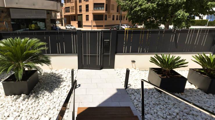 Jardins modernos por arqubo arquitectos