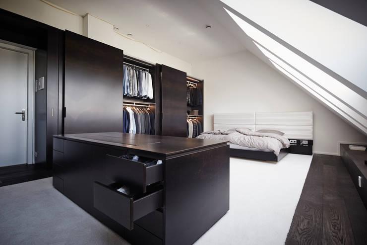 Appartment 2:  Ankleidezimmer von Bauer Schranksysteme GmbH