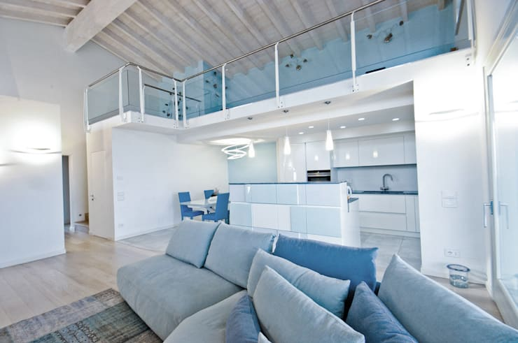 MCArc Villa MC Interior Design: Soggiorno in stile in stile Moderno di MCArc Laboratorio di architettura sostenibile