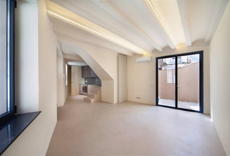 Living room by Lara Pujol  |  Interiorismo & Proyectos de diseño