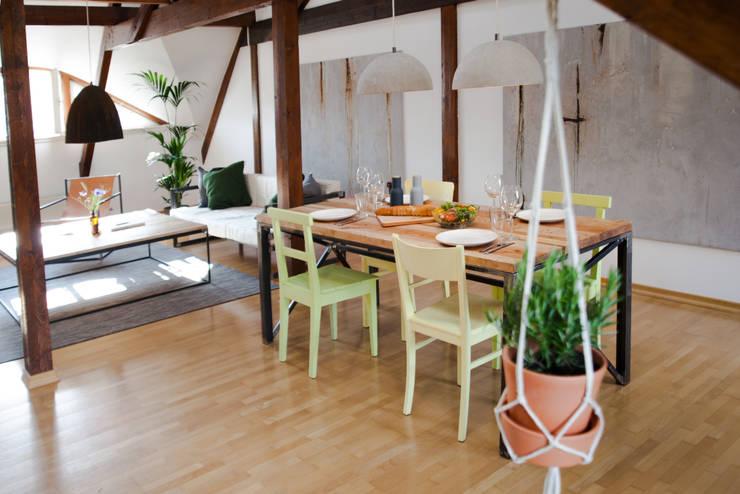 ห้องทานข้าว by woodboom