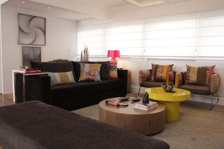 Living room by Fernanda Moreira - DESIGN DE INTERIORES