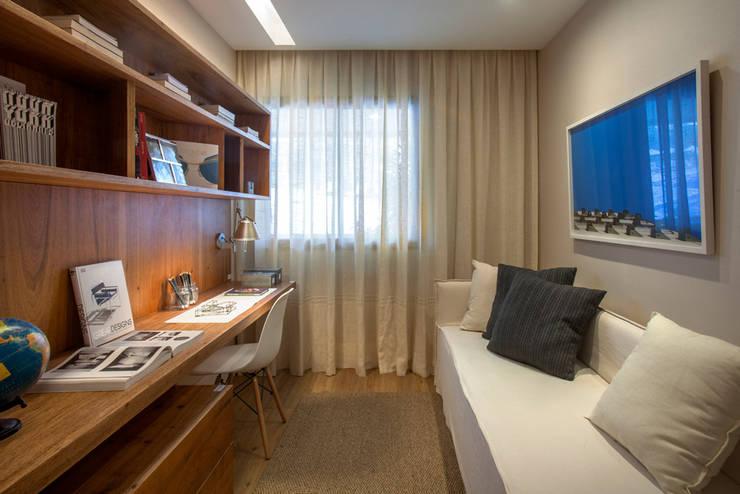 Salon de style  par Gisele Taranto Arquitetura