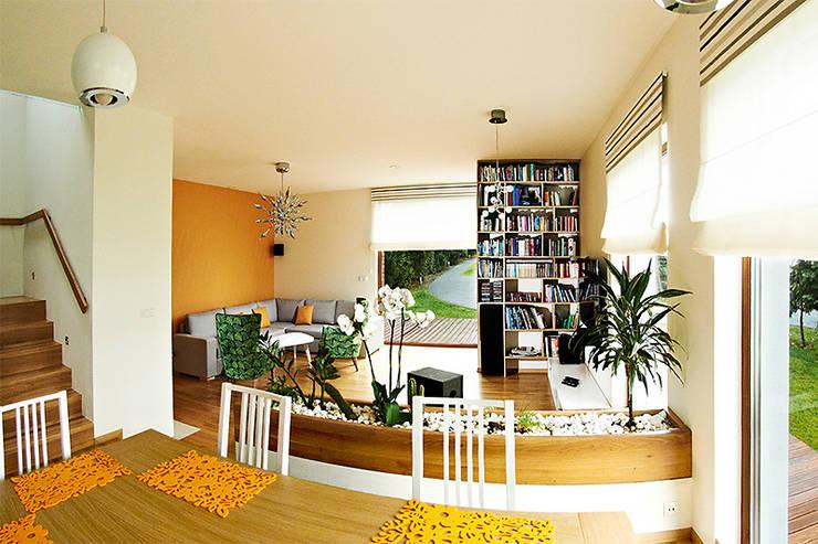 Realizacja projektu Amelia: styl , w kategorii Salon zaprojektowany przez Biuro Projektów MTM Styl - domywstylu.pl