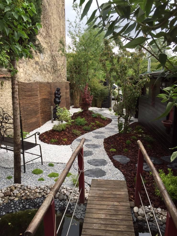 jardin japonais et zen par dcpaysage homify. Black Bedroom Furniture Sets. Home Design Ideas