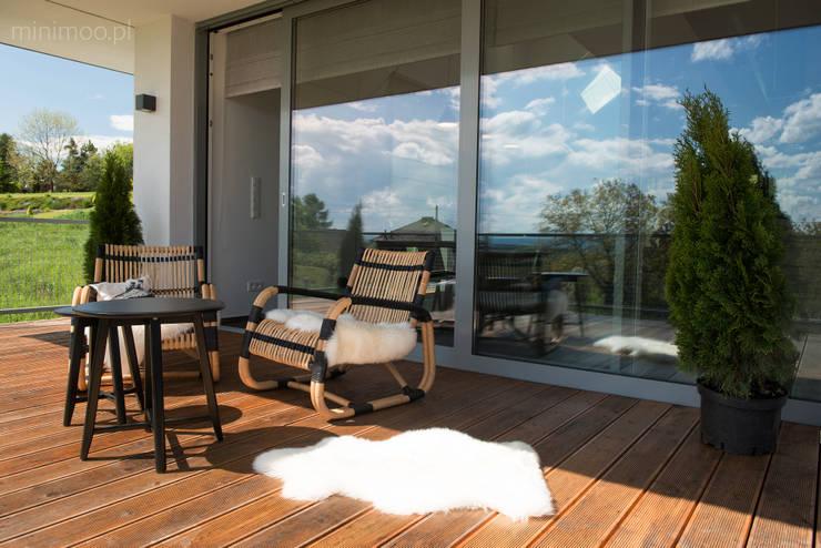 www.minimoo.pl: styl , w kategorii Taras zaprojektowany przez MINIMOO Architektura Wnętrz