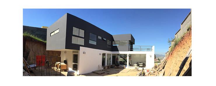 Casas de estilo moderno por Herman Araya Arquitecto y constructor
