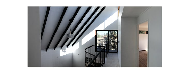 Casa Neff: Terrazas  de estilo  por Herman Araya Arquitecto y constructor