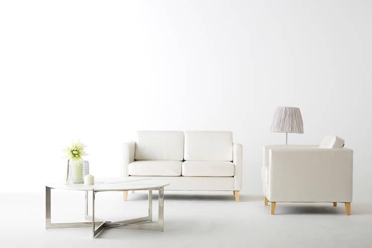 30 Basic L 2.0 Sofa: MöBEL-CARPENTER (모벨카펜터)의  거실
