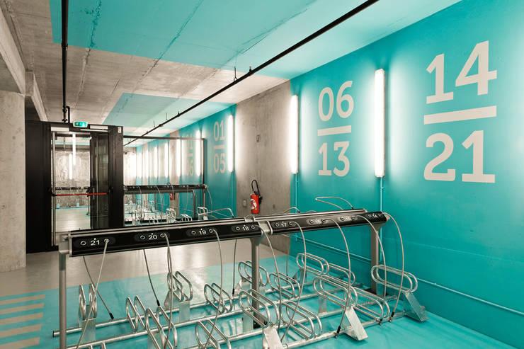 Car Dealerships by Iglesias-Hamelin Arquitectos c.b., Industrial Concrete