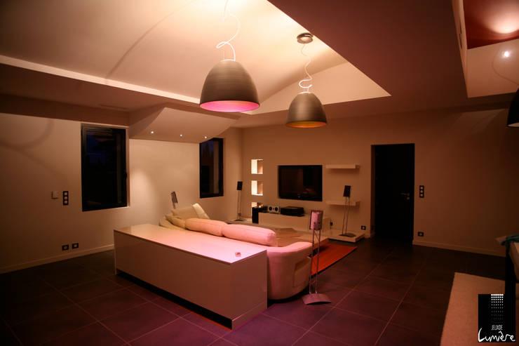 غرفة المعيشة تنفيذ Jeux de Lumière