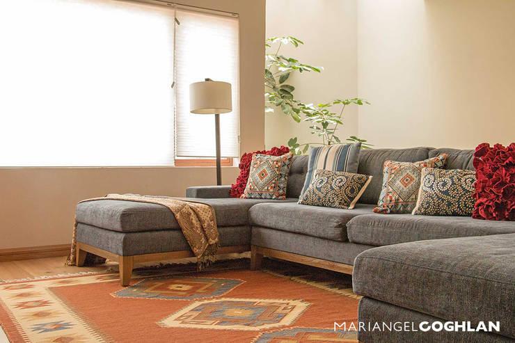 Acacias: Salas de estilo  por MARIANGEL COGHLAN