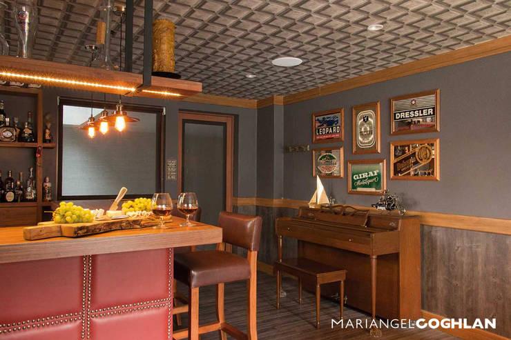 Bar: Cavas de estilo  por MARIANGEL COGHLAN