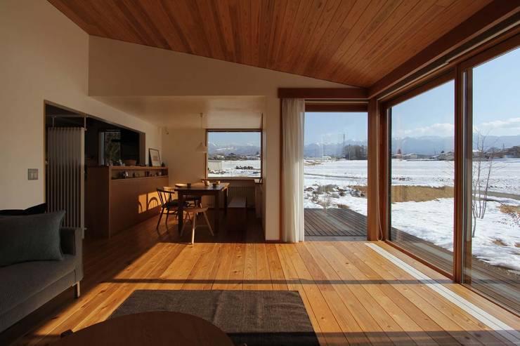 Comedor de estilo  por 藤松建築設計室
