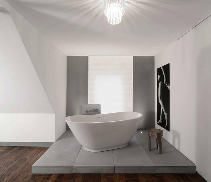 Ванная комната в . Автор – betondesign-factory