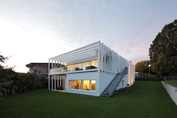 modern Houses by LABOR WELTENBAU ARCHITEKTUR