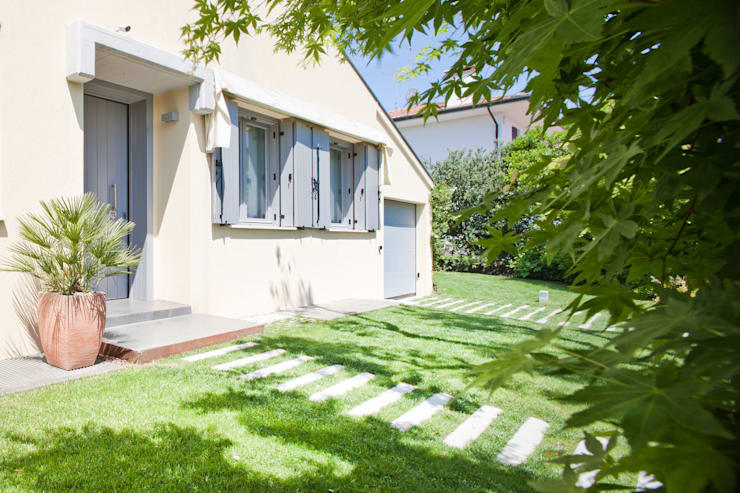 Jardines de estilo  por EXiT architetti associati