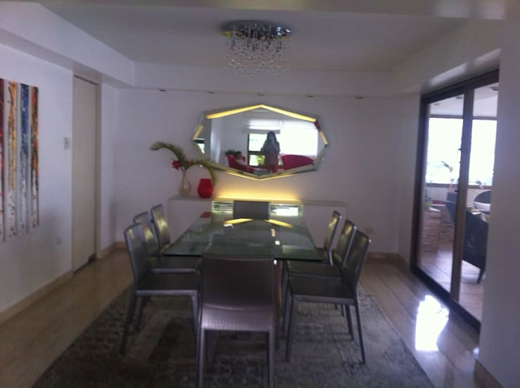 Salas de jantar  por THE muebles , Moderno