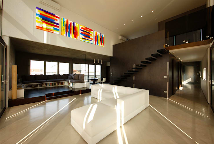 LOFT CUBE: Soggiorno in stile in stile Moderno di Studio Fabio Fantolino