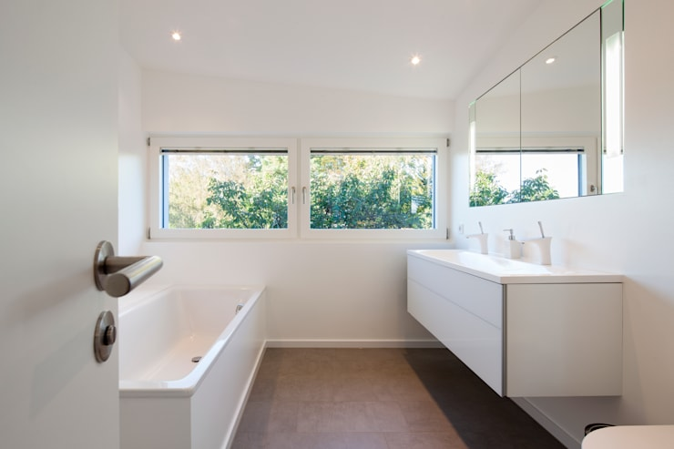 Modern Bathroom by WSM ARCHITEKTEN Modern