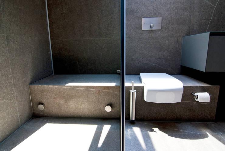 Bathroom by WSM ARCHITEKTEN, Country