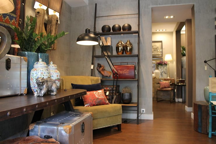 Showroom Remodelação – Abril 2016: Salas de estar  por Amber Road - Design + Contract