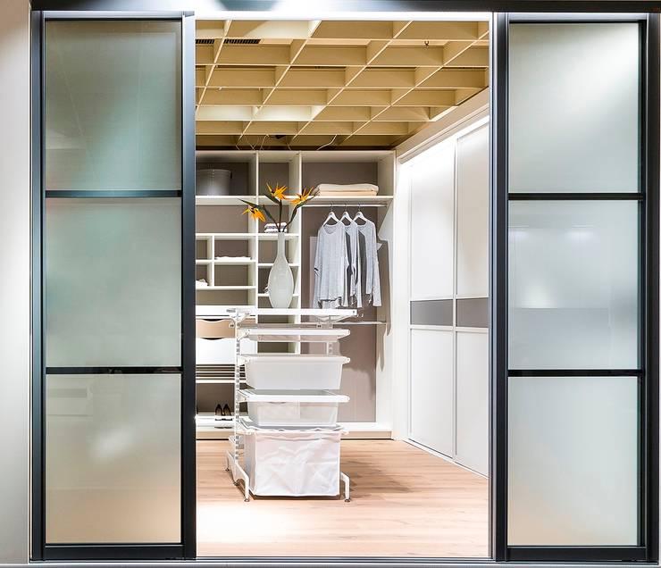 Dressing room by Elfa Deutschland GmbH