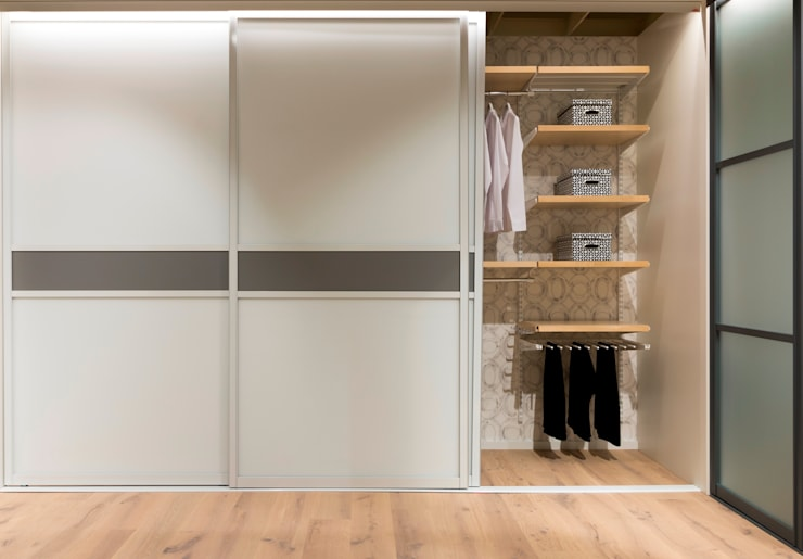 Bedroom by Elfa Deutschland GmbH