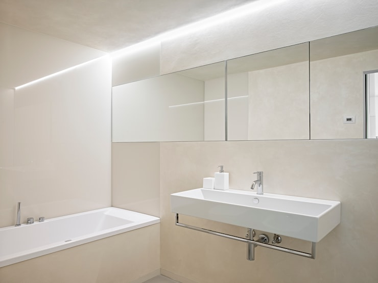 Bathroom by Burnazzi  Feltrin  Architects