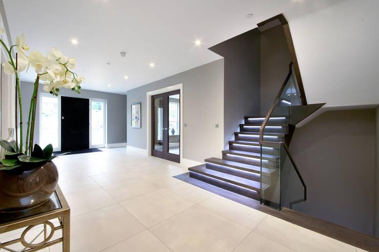 Projekty,  Korytarz, przedpokój zaprojektowane przez Railing London Ltd