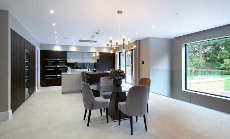 Phòng ăn by Railing London Ltd