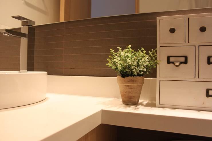 Baños de estilo moderno por Home Reface - Diseño Interior CDMX
