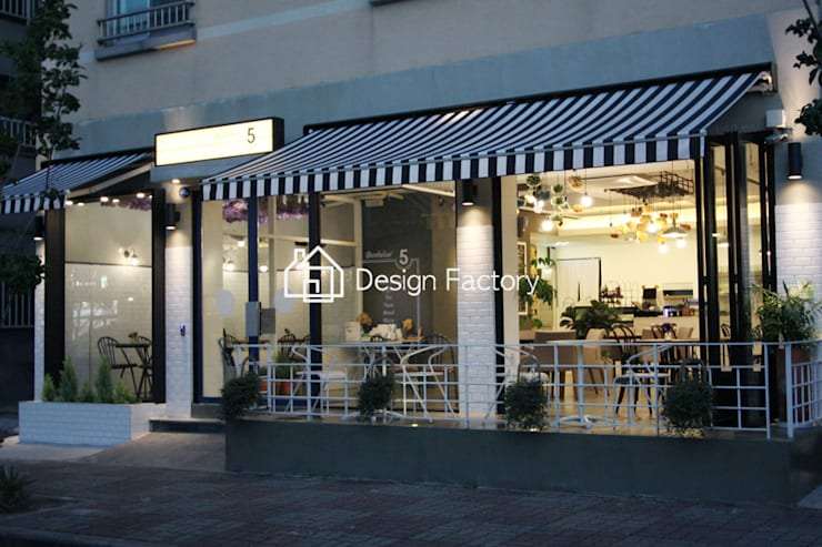 BRUNCH CAFE 'bonbeloo5': 디자인팩토리의  주택,북유럽