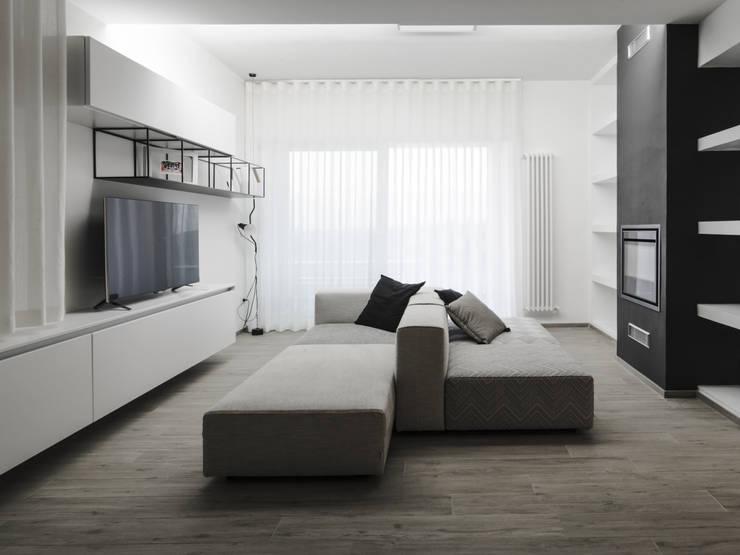 غرفة المعيشة تنفيذ HIDDENOFFICE