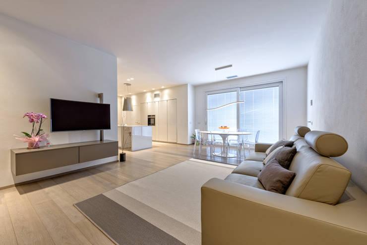 modern Living room by Emmeti Srl
