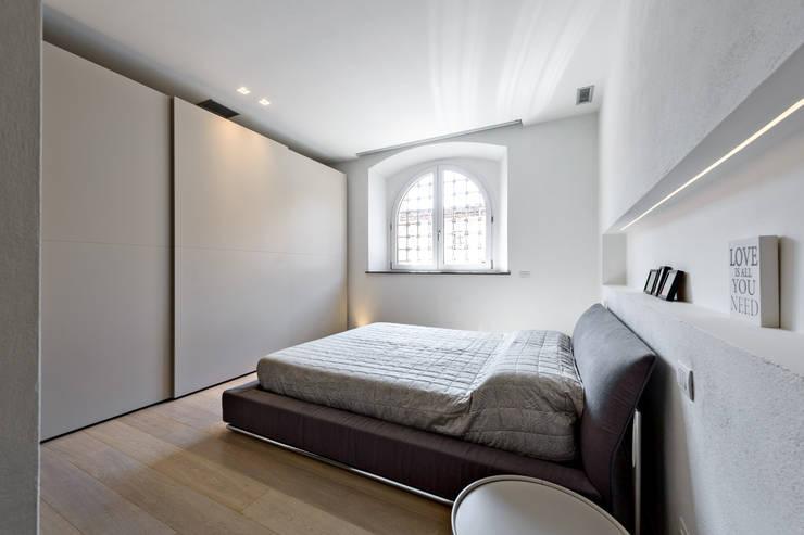 Bedroom by Emmeti Srl