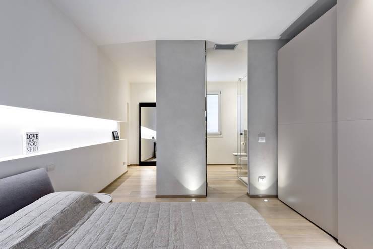 modern Bedroom by Emmeti Srl