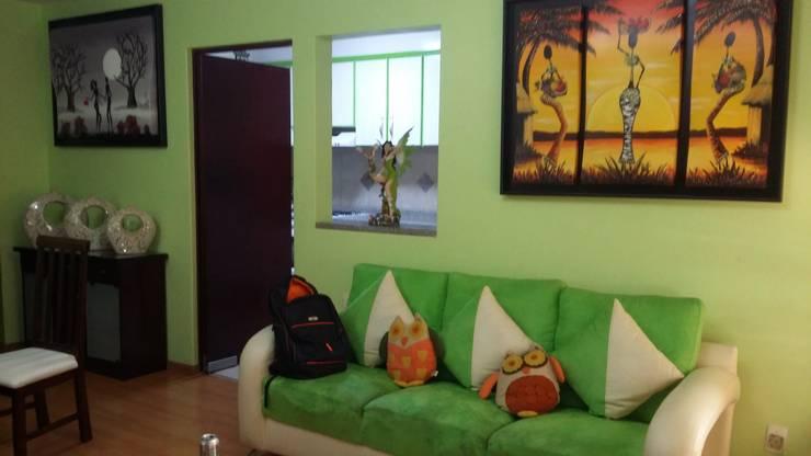 Casa Idea: Salas de estilo  por Estudio Ideas