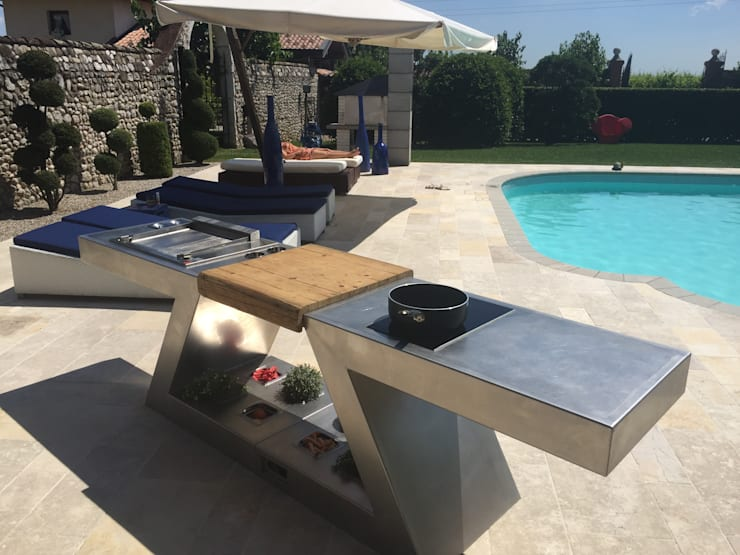 ZED EXPERIENCE relax in piscina: Cucina in stile  di ZED EXPERIENCE - indoor & outdoor kitchen