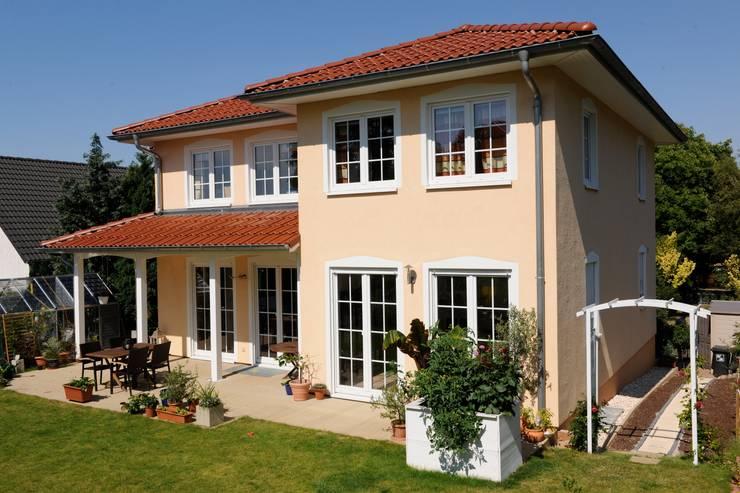 บ้านและที่อยู่อาศัย by RostoW Bau