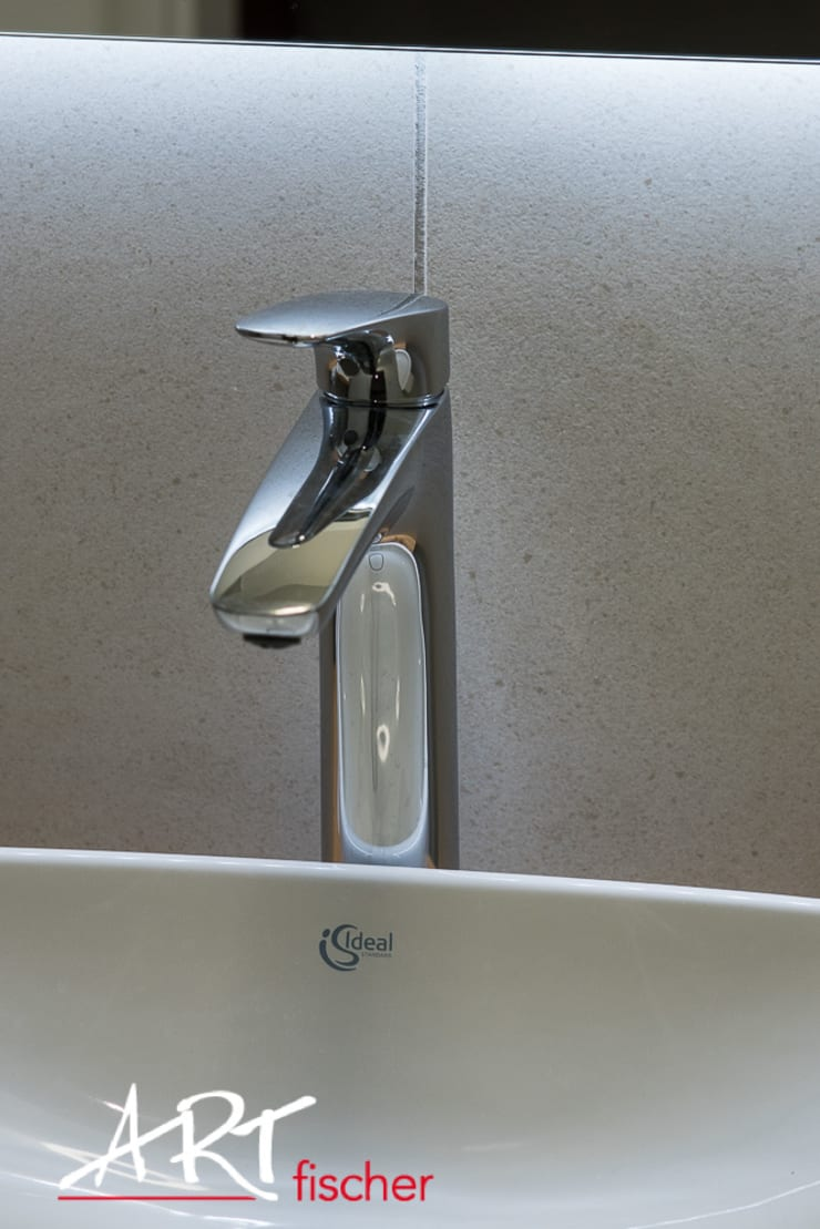 Wasserhahn:  Badezimmer von ARTfischer Die Möbelmanufaktur.