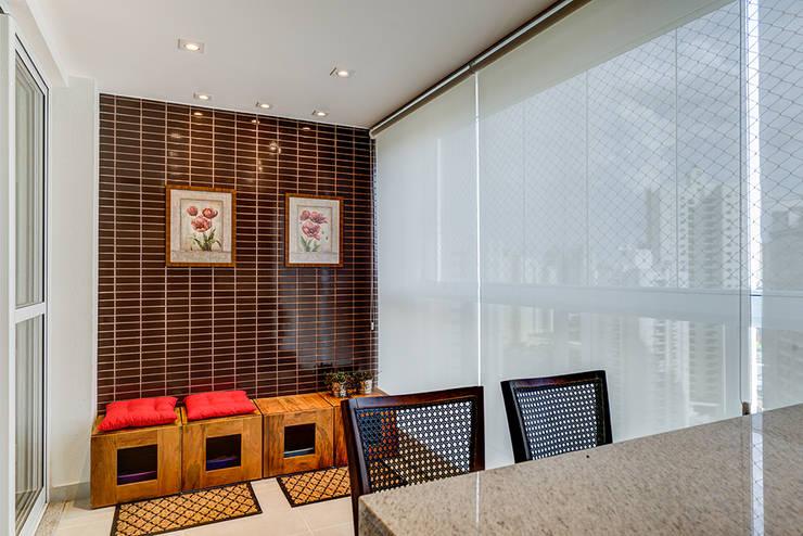 Varanda: Terraços  por Eveline Maciel - Arquitetura e Interiores