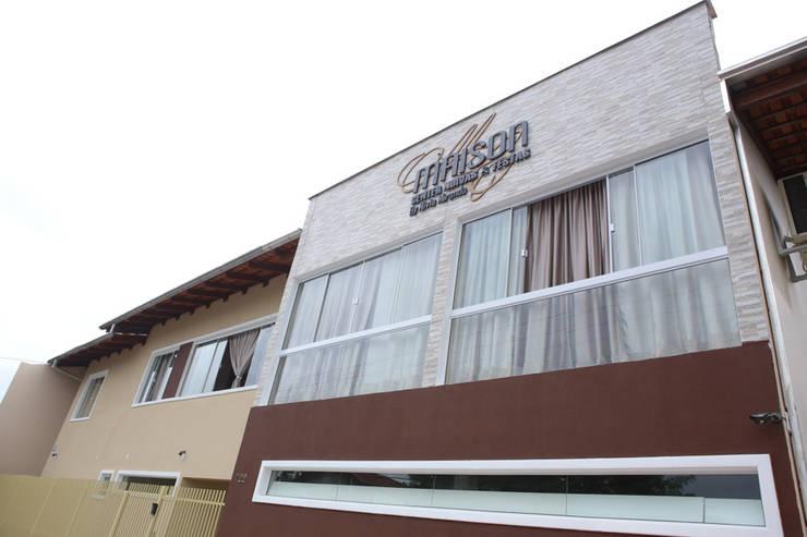 Maison Center Noivas & Festas: Espaços comerciais  por Cecyn Arquitetura + Design