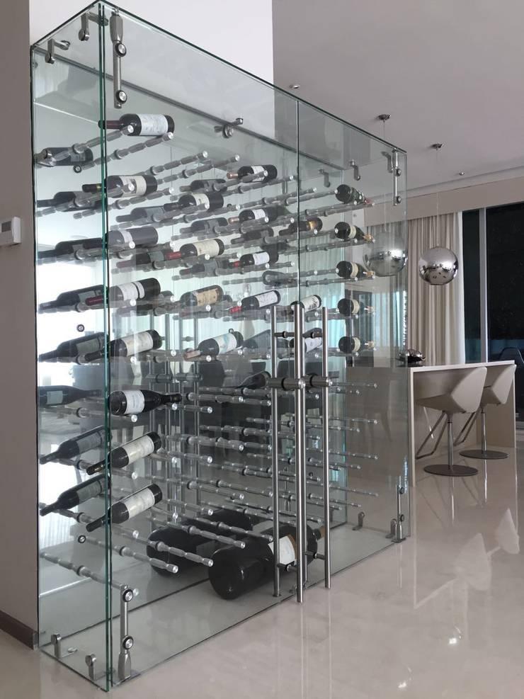 Ruang Penyimpanan Wine oleh AParquitectos, Modern Kaca