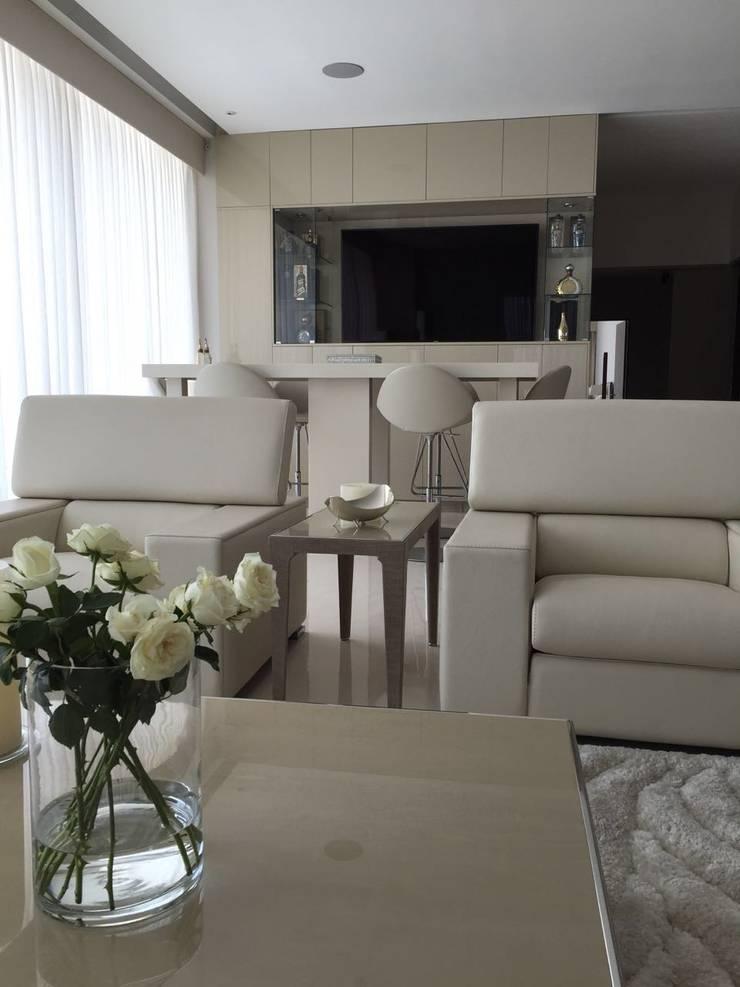 Ruang Keluarga oleh AParquitectos, Modern