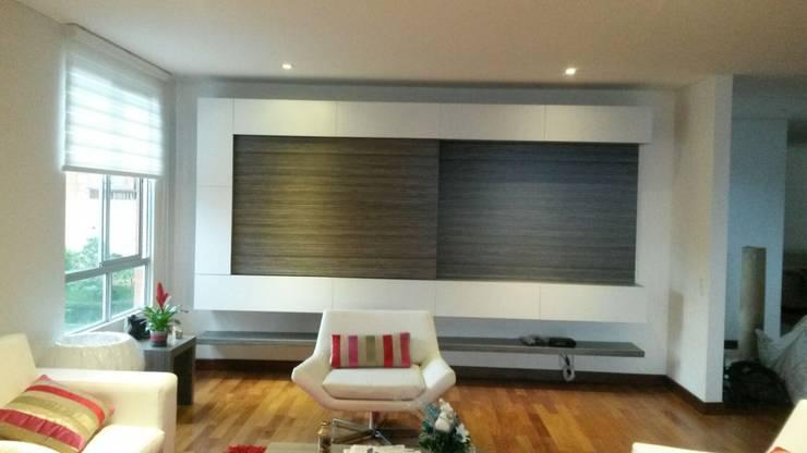 Mueble de Tv: Salones de estilo  por ME Estudio S.A.S