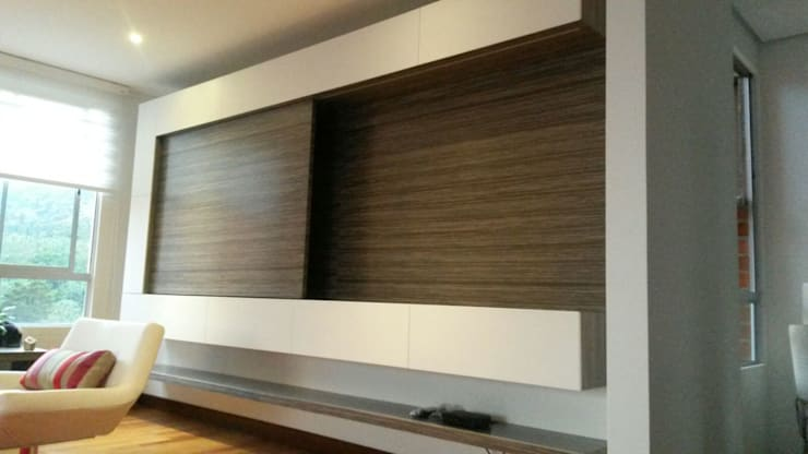 Mueble de tv : Salones de estilo  por ME Estudio S.A.S