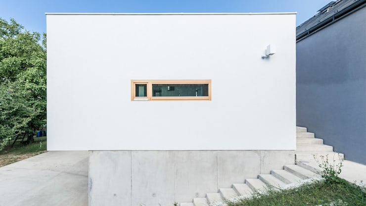Rumah by Földes Architects