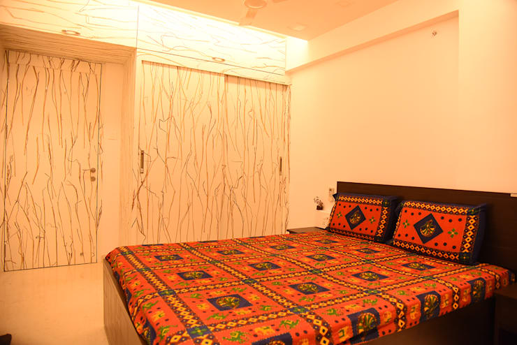 Deshmukh Residence:  Bedroom by Ornate Consultants